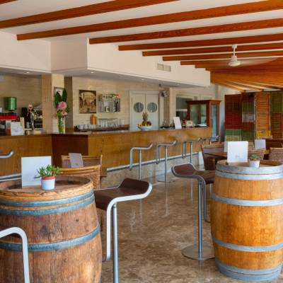 Bar-lounge mit wifi es bauló petit hotel can picafort